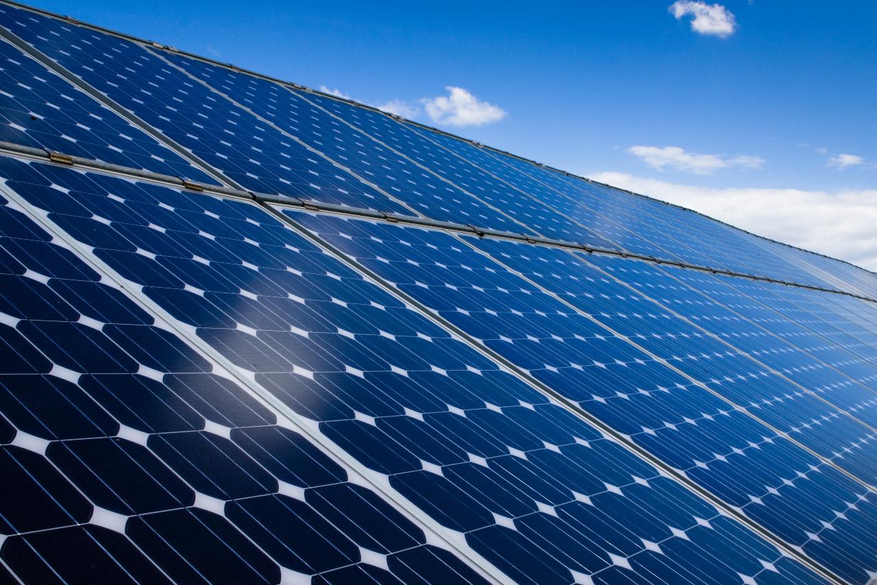 E' scattato l'obbligo di coprire con rinnovabili il 50% dei consumi degliedifici nuovi o sottoposti a ristrutturazioni rilevanti. E' previsto nel il Decreto Rinnovabili (Dlgs 28/2011).  Rinnovabili, dal 2018 obbligo al…