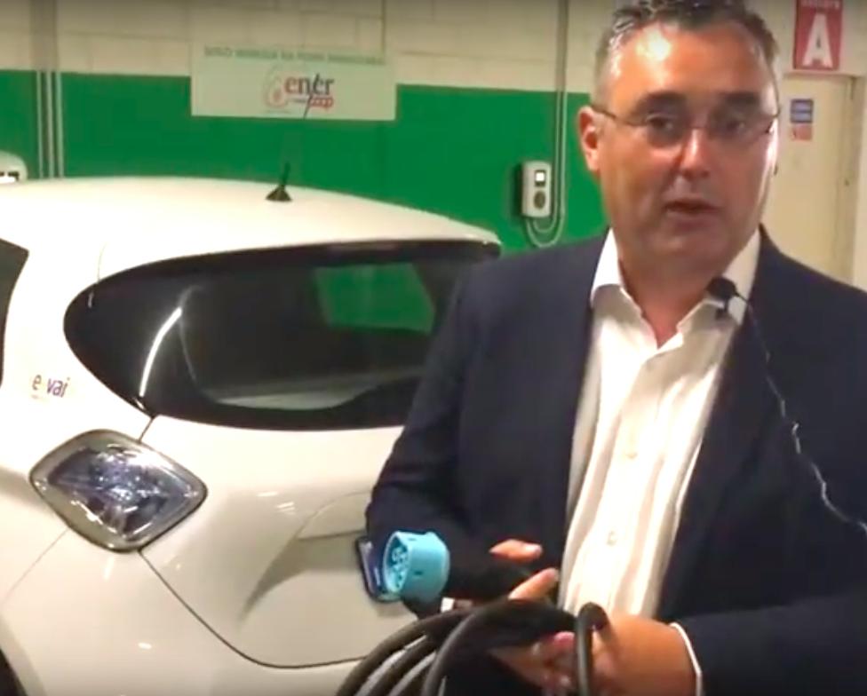 Dal 3 luglio sono attivi i 4 punti di ricarica veloce da 22 kW di potenza installati al primo piano del parcheggio dell'Outdoor Center di Crevoladossola.  Abbiamo realizzato un videotutorial per…